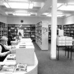 Epämieluisia kirjoja ja hakijarulettia – Sahalahden kirjastojen sotien jälkeinen kasvukausi
