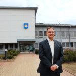 Pälkäneen uusi kunnanjohtaja Jussi Teittinen lupaa olla helposti lähestyttävä ja aikoo näkyä kylillä.