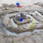 Kevään ensimmäiset hiekkaleikit Pakanrannassa