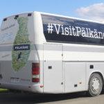 """""""Kuntamarkkinointi on sydämen asia"""" – Pälkäne-bussi tekee kuntaa tunnetuksi Suomessa ja ulkomailla"""