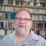 Avoimien kirjahyllyjen päivänä pääsee tutustumaan pappilan kirja-aarteisiin