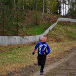 Veli Kinnunen juoksi 9-vuotiaiden poikien sarjassa.