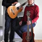 Veljekset Kari & Martti musisoivat Katukappelilla