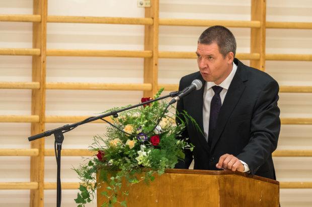 Rehtori Jan Salmi pitämässä puhetta ylioppilasjuhlassa. Kuva: Hannu Söderholm