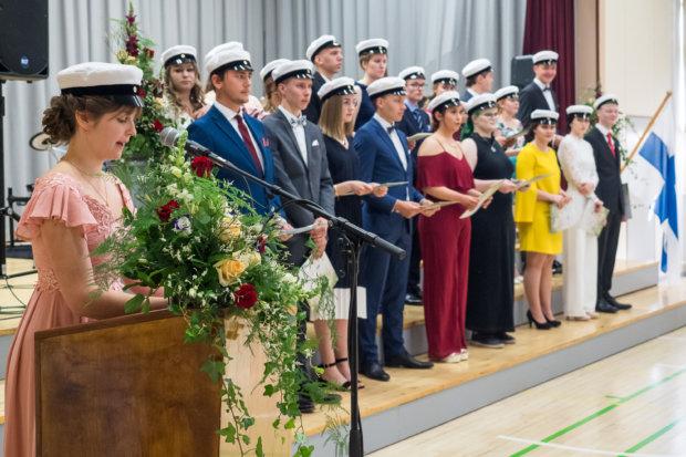 Uuden ylioppilaan puheen piti Tyyne Rantanen.  Kuva: Hannu Söderholm