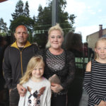 Petri Jokitulppo, Paula Hakala, Miina Mantila ja Seela Kanerva tulivat katsomaan hyvää ja reilua presidenttiä. He olivat ensimmäistä kertaa Kostia-areenalla ja lupasivat tutustua urheilupyhätön kuntosaliin.
