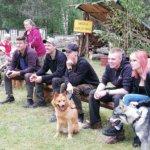 Esitykset kiinnostivat kaikkia, metsästyskoiriakin.