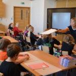 """""""Kuhmalahtelaiset koululaiset tarvitsevat oman alakoulun"""" – Kangasalan Kokoomuksen valtuustoryhmä toivoo rakennussuunnitelmassa näkyvän hirsirakenteita, monikäyttöisyyttä ja paikallisuutta"""