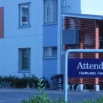 Kohussa ryvettynyt Attendon hoivakoti on rekrytoinut kymmenkunta hoitajaa lisää – Nyt haetaan myös hoivakodin johtajaa