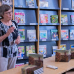 Isovanhempien tarinasta sukuromaaniksi –Vuosien kiinnostus ja tutkiminen tekivät Leena Laineesta kirjailijan