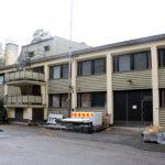 Pälkäneen keskustassa on myynnissä kokonainen kerrostalo. Rakennuksessa on kuusi asuntoa ja toimistotiloja.