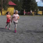Juoksua, pomppuja ja ravitsemustietoa – voimapäivä liikutti koululaisia