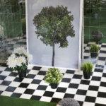 Juha Allan Ekholmin puutarha rehottaa taidetila Terrassa