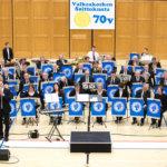 Kostia-areena muuntautuu musiikkiareenaksi – Valkeakosken soittokunta svengaa isänpäivänä areenalla