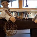 Vehkajärveläisten taidetta on esillä Kuhmalahden kirjastossa