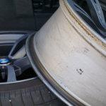 """""""Muista renkaiden jälkikiristys reilun sadan ajokilometrin jälkeen"""" – entä jos se unohtuu?"""