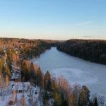 Pelastuslaitos varoittaa heikoista jäistä: jäälle satanut lumi hidastaa vahvan jään syntymistä
