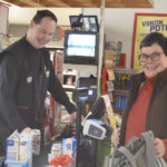 Eurojackpotin miljoonavoitto pelattiin kyläkauppa Nikkilässä – kauppiaan puhelimeen tulvi onnitteluviestejä koko seuraavan yön ajan