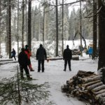 Vanhat metsäkoneet urakoivat taas Vanhalla savotalla