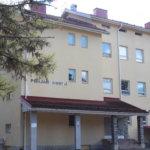 Tyhjillään oleva kiinteistö mietitytti – Pohjan vanha koulurakennus laitetaan kuntoon pala kerrallaan