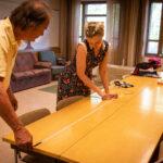 Kukkiatalon lähityökeskus aloittaa syyskuun alussa – valokuitutyöpisteitä ja videoneuvottelutilaa voi seurata koko seurakuntatalon muuttuminen monitoimikeskukseksi
