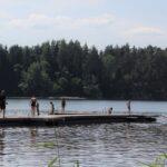 Tuuli ja viileys veivät sinilevät – suurten järvien lämpötilat silti pari astetta keskimääräistä lämpimämpiä