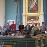 Erkki Toivarin muistokonsertti keräsi kuulijoita – aktiivinen kyläläinen sai oman muistolaulun