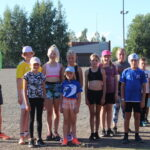 Onkkaalan urheilukentällä treenattiin yleisurheilua – nuorten treeneissä oli paikalla parhaimmillaan 40 osallistujaa kesän aikana