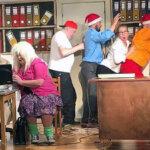 Näyttelemisen iloa keskellä kaupunkia – Kesäpäivän teatteriviikko tuo harrastajateatterit Kangasala-talon lavalle