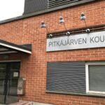 """Saippuateline sytytettiin palamaan Pitkäjärven koululla – """"tähän ei liity mitään dramatiikkaa"""""""