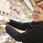 Kuohijoen rauha puhuttelee K-market Järvikansan uutta kauppiasta – Nina Hannonen sai kaupunkilaisetkin yhteisöllisiksi