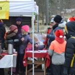 Roki sytytti torikuusen valot – joulukausi avattiin Luopioisissa