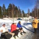 Latukahveet juotiin Hannulan riihiladossa Sappeessa – kahvila sai hyvälle tuulelle
