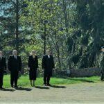 Kaatuneiden muistopäivänä laskettiin seppeleet