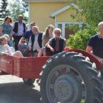 Kyläkoulu heräsi uudistuneena eloon – kylätalo avautui laulaen ja kahvitellen
